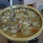 ケアハウス畑で収穫した野菜で団子汁を作りました
